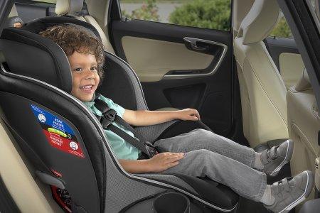 איך בוחרים כיסא בטיחות לרכב?