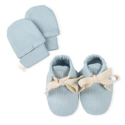 סט כפפות ונעליים